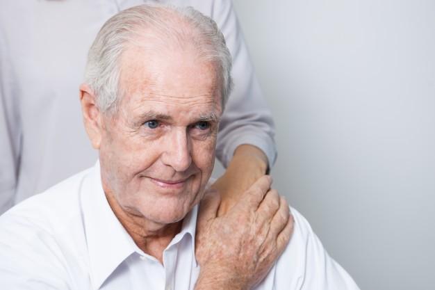 65 yaşın üstündeki kişilerin yapacakları hukuki işlemlerde doktor raporu alınması mecburi midir?